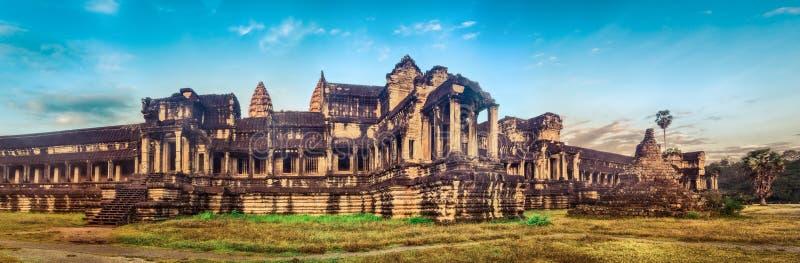Angkor Wat bei Sonnenaufgang Siem Reap kambodscha Panorama lizenzfreie stockfotografie