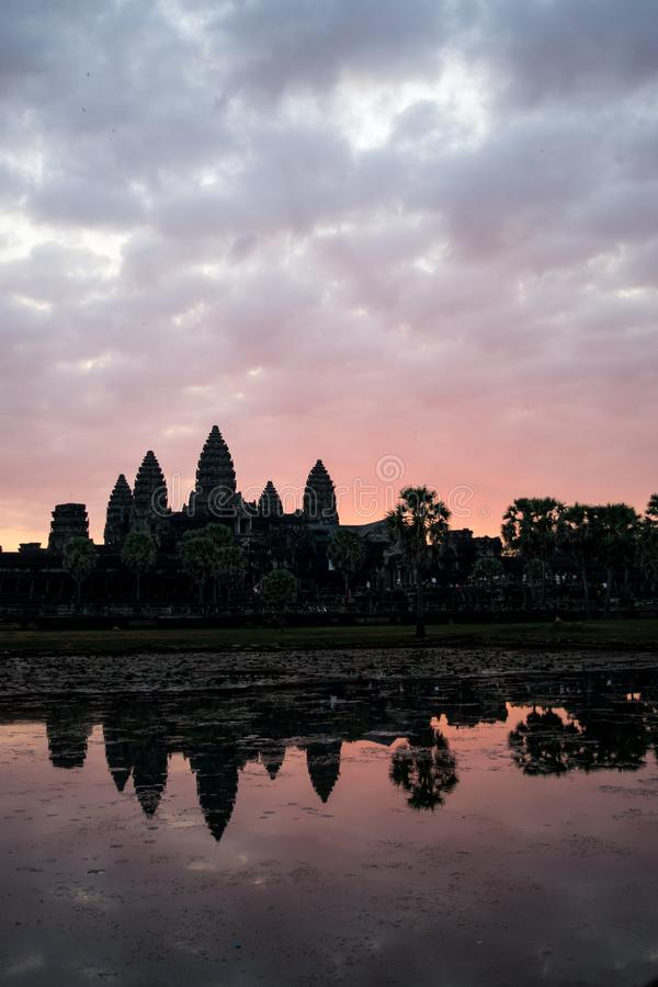 Angkor Wat bij zonsopgang royalty-vrije stock afbeelding