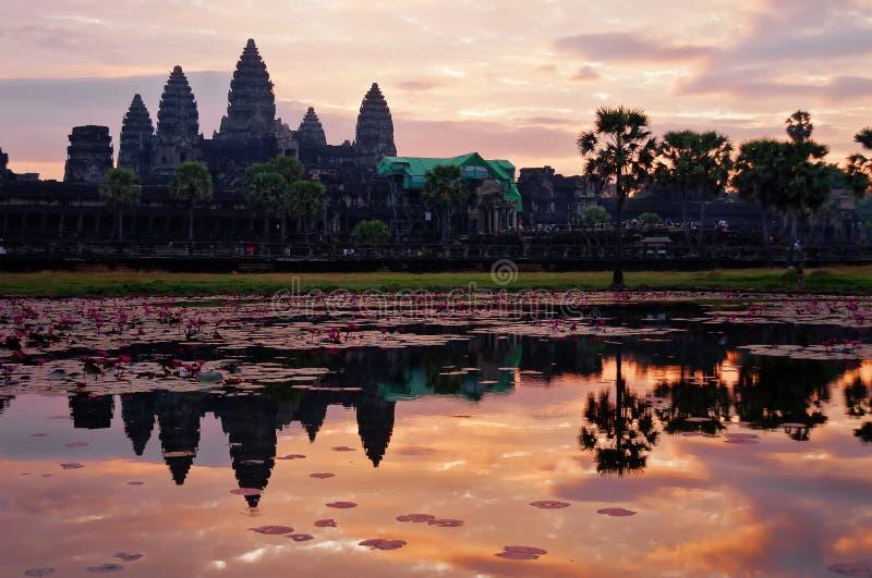 Angkor Wat en la salida del sol. Camboya imágenes de archivo libres de regalías