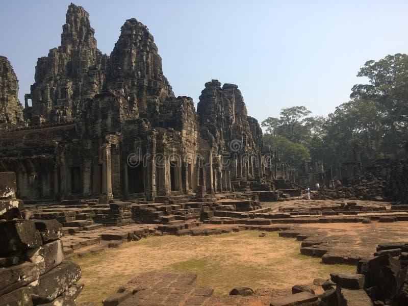 Angkor Wat en Siem Reap, Camboya Angkor Wat es el templo hindú más grande complejo y el monumento religioso más grande del mundo  foto de archivo libre de regalías