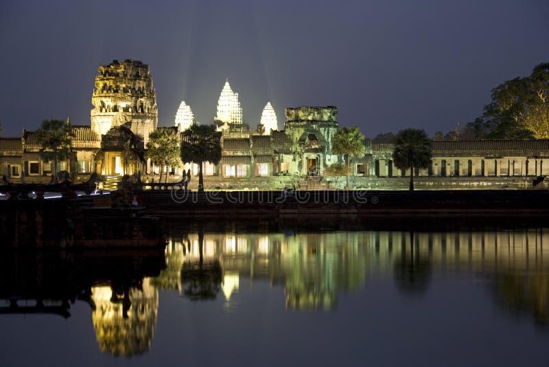 Angkor Wat nachts lizenzfreie stockfotos