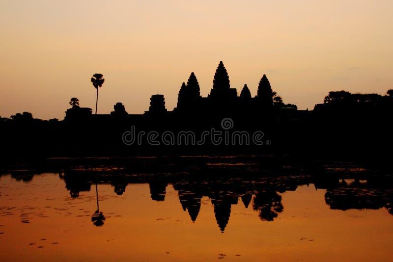 Angkor Wat no alvorecer foto de stock
