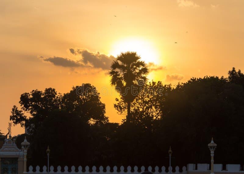 Angkor Wat Temple au coucher du soleil au Cambodge image stock