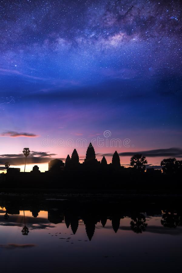 Free Angkor Wat Temple With Morning Sunrise And Star Stock Photo - 108145490