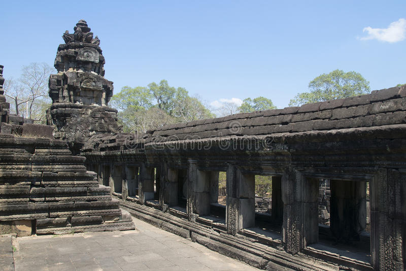 Angkor wat Twierdzi zabytek - Ta Prohm ruiny khmer miasto angkor wat świątynne ściany - obraz stock