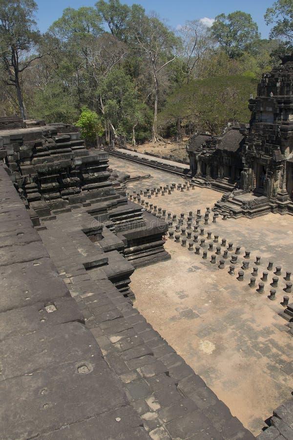 Angkor-Watt - Tempel-Ruinenwände Ta Prohm der Khmerstadt von Angkor Wat - geben Sie Monument an stockbild