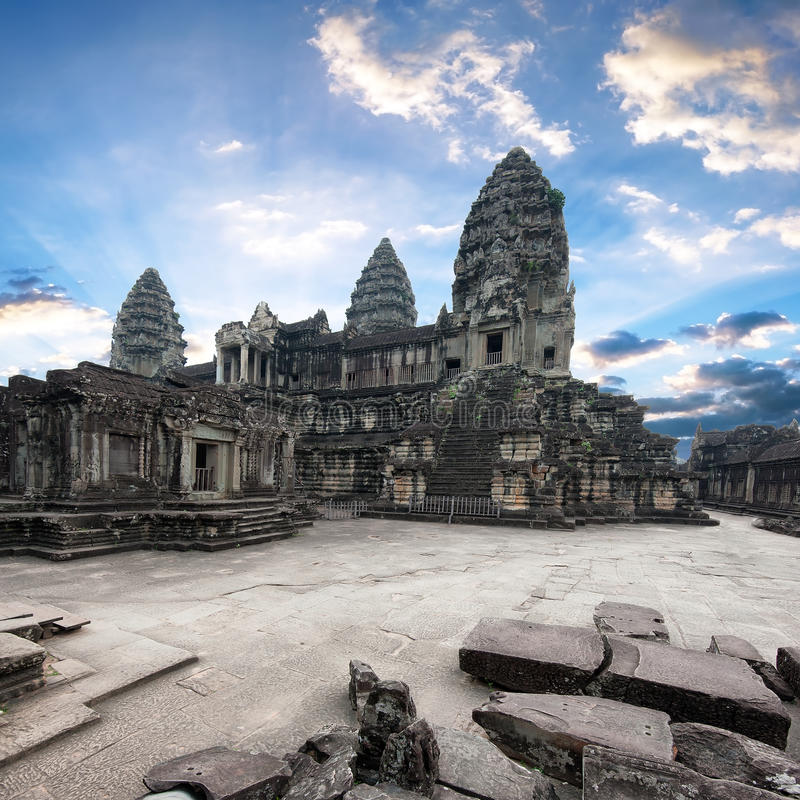 angkorcambodia wat Angkor Thom en khmertempel royaltyfria foton
