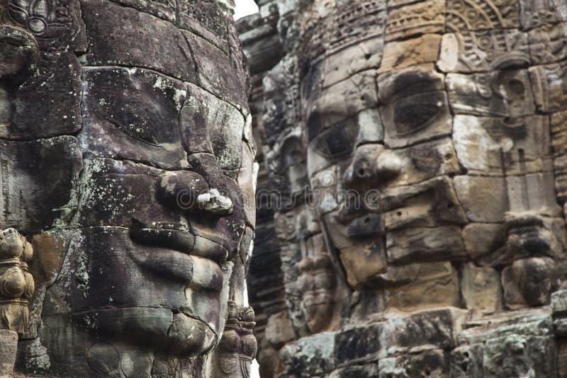 Angkors Thom le framsidor arkivbild