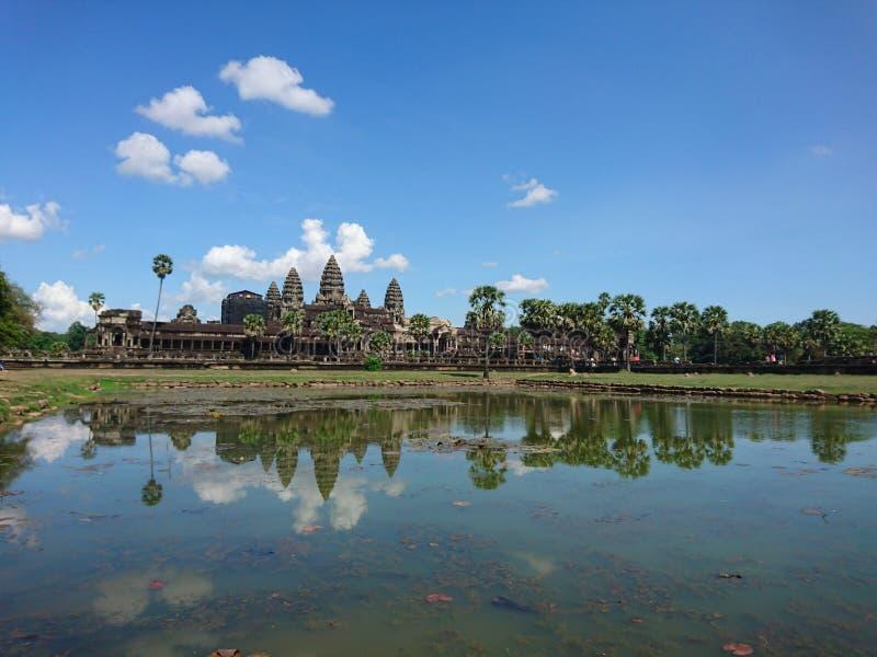 Angkorwat在蓝天下 库存图片