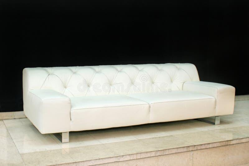 Angle en cuir de sofa photographie stock