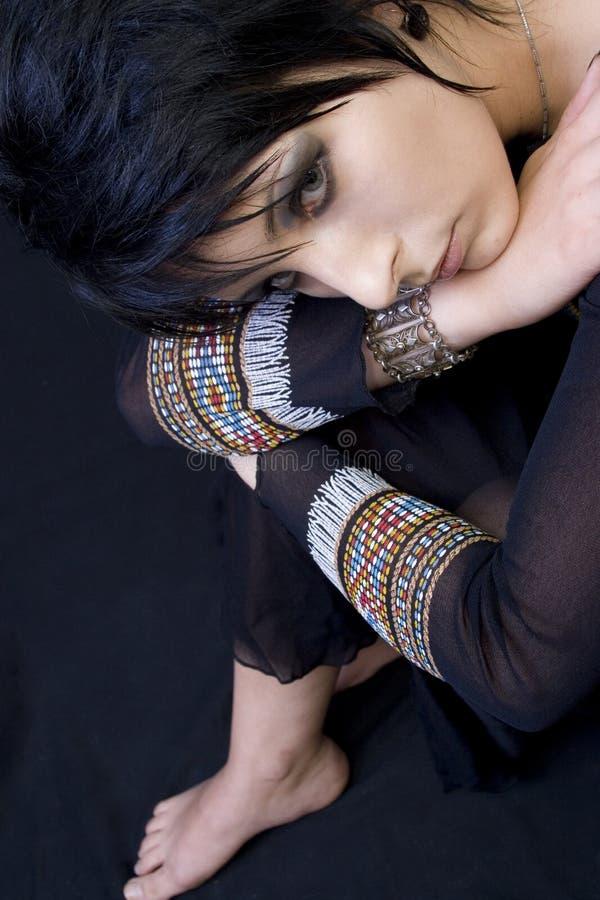 angles den härliga gothkvinnan fotografering för bildbyråer
