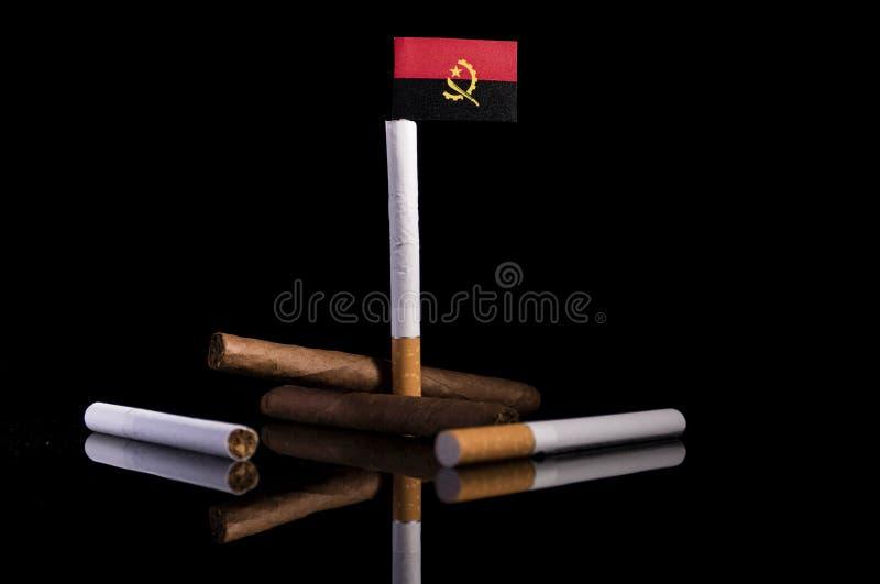 Download Angolanische Flagge Mit Zigaretten Und Zigarren Stockbild - Bild von asche, schwarzes: 96931797