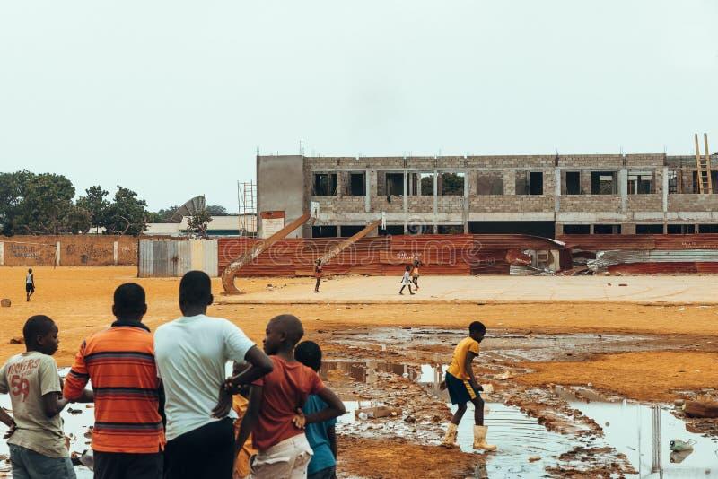 Angolanskt spela för ungar royaltyfri bild