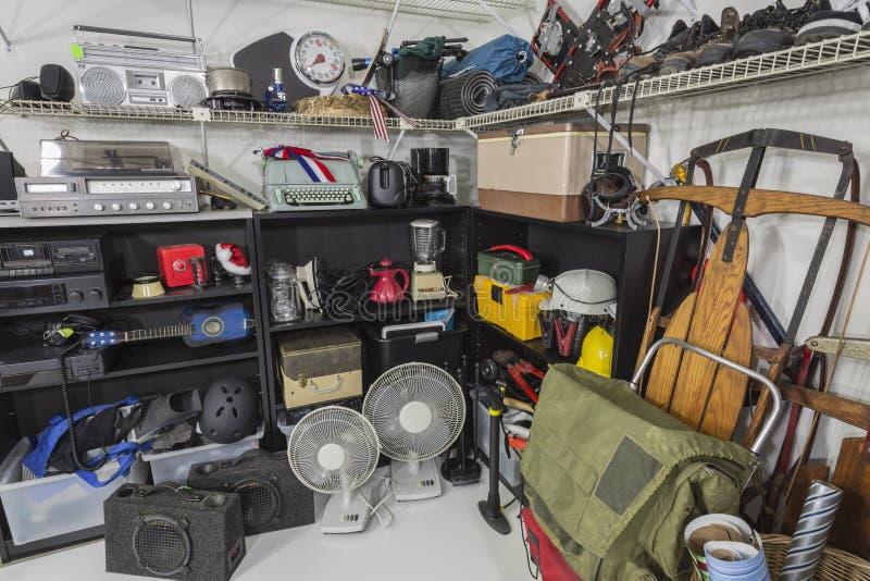 Angolo D Annata Di Vendita Di Garage Fotografia Stock