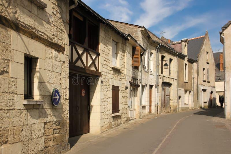 Angolo pittoresco nella vecchia città Chinon france immagini stock