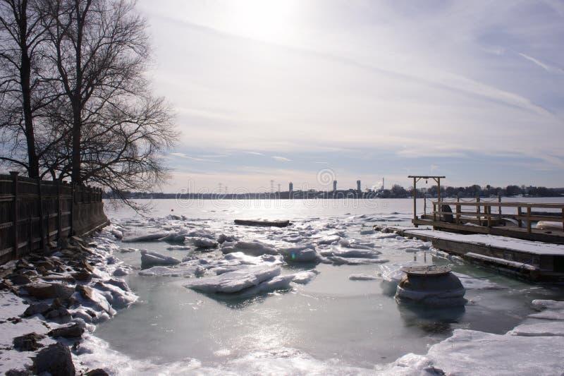 Angra da ilha da rocha, Quincy Massachusetts fotos de stock