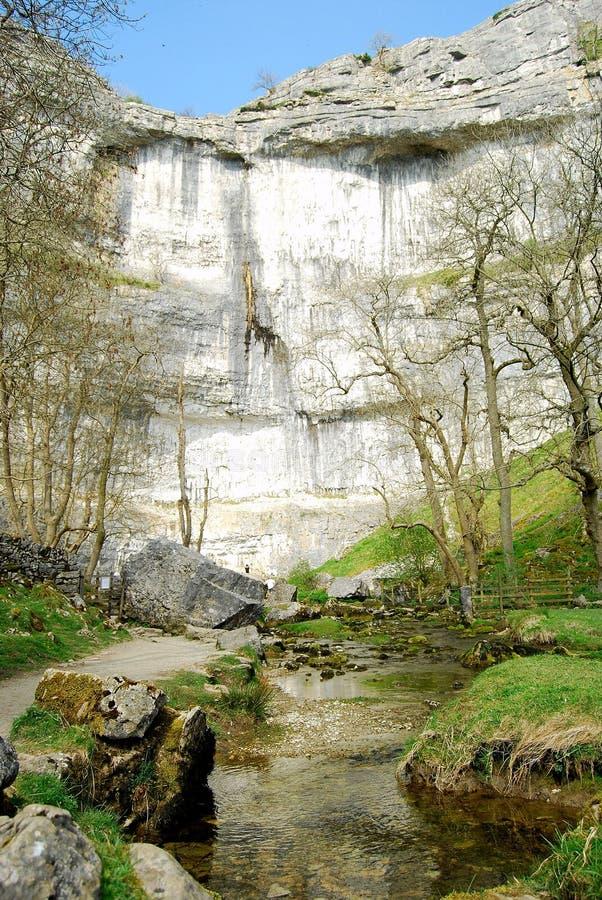 Angra de Malham, parque nacional dos Dales de Yorkshire (Reino Unido) foto de stock royalty free