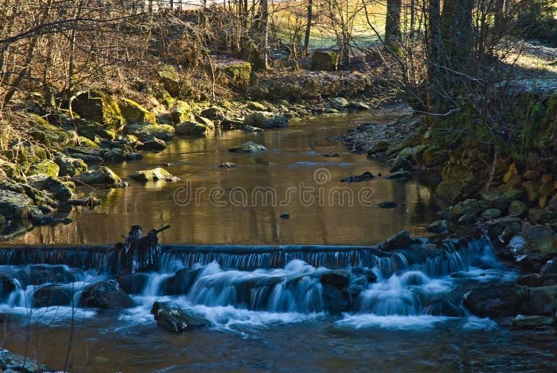 Angra em um frio do inverno perto da cidade Logatec imagens de stock royalty free