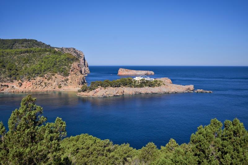 Angra na ilha do norte de Ibiza imagens de stock royalty free
