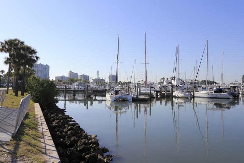 Angra Sarasota do centro do barco foto de stock