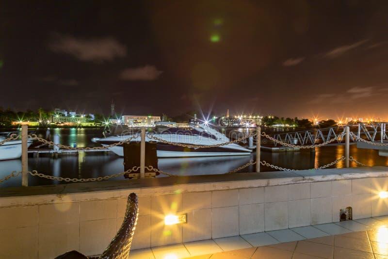 Angras de Lagos Nigéria na noite fotos de stock