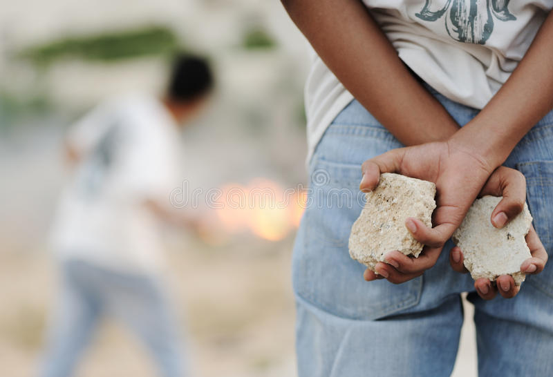 Angrey Kind in Gaza lizenzfreies stockbild