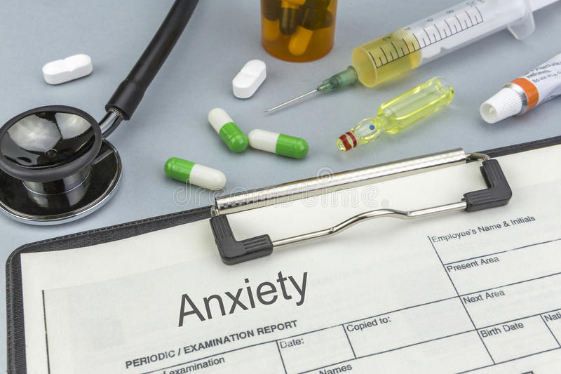 Angst, Medizin und Spritzen als Konzept stockfoto