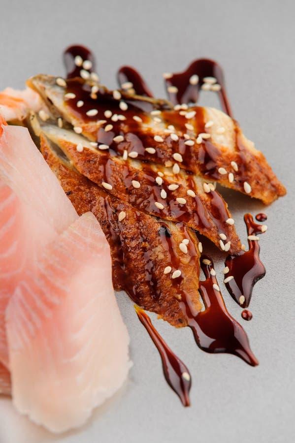 Anguilas debajo de la salsa de soja fotografía de archivo libre de regalías