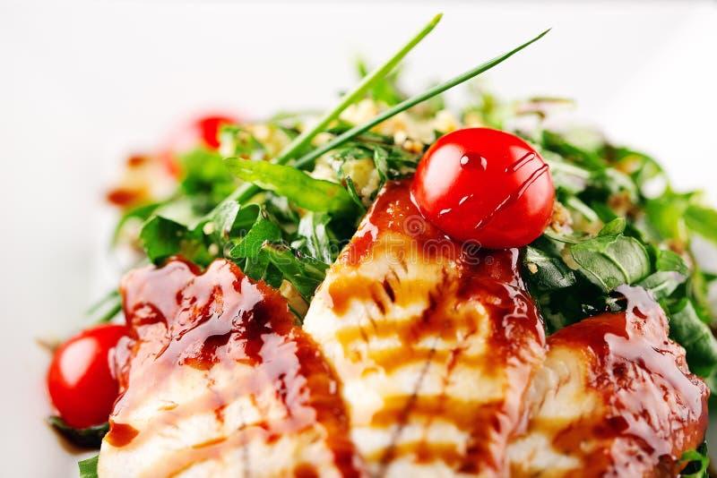 Anguille de plat de restaurant en sauce à miel photos stock