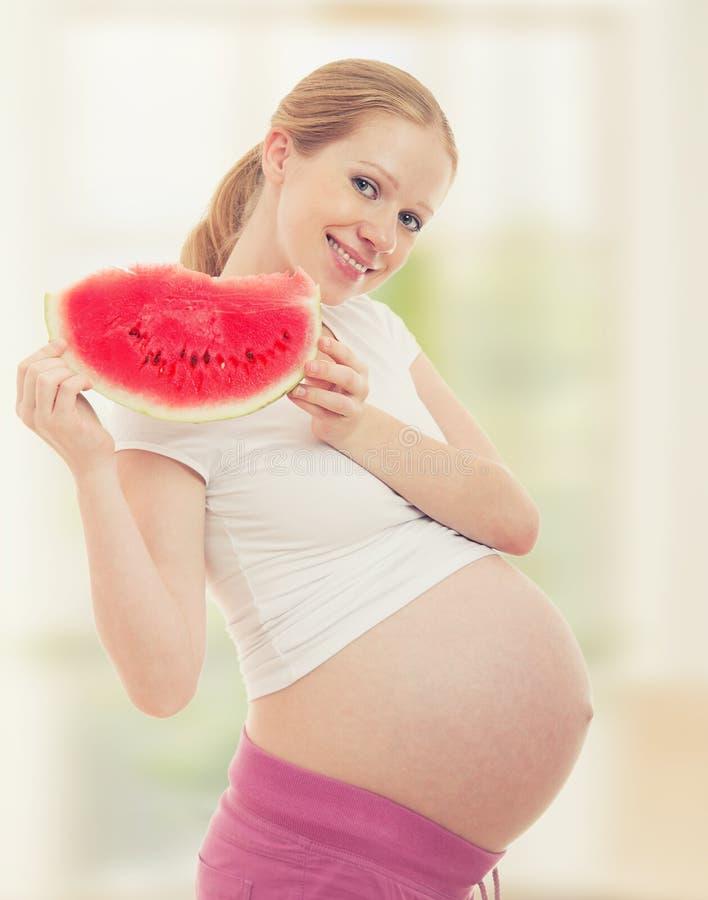 anguria della donna incinta immagine stock libera da diritti
