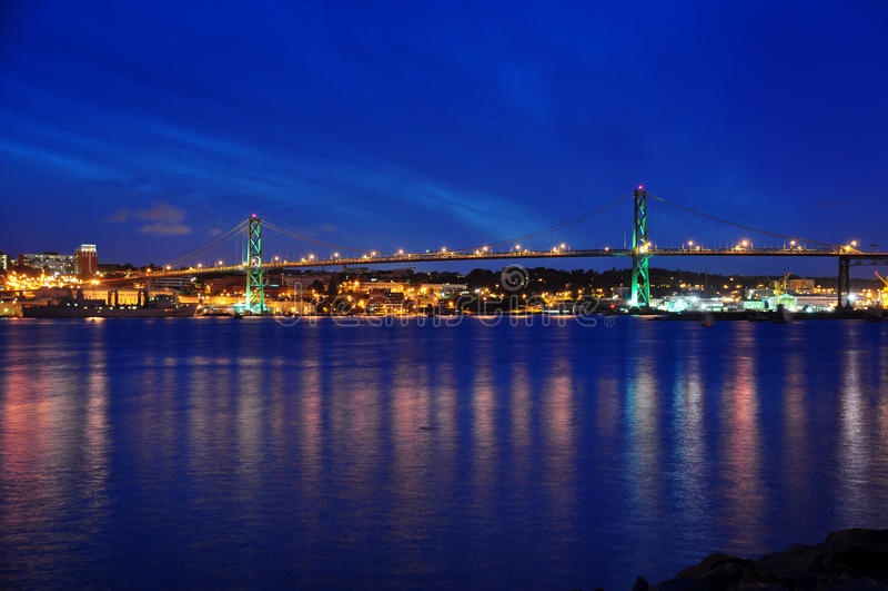 Angus L. Macdonald Bridge in Halifax royalty-vrije stock foto's
