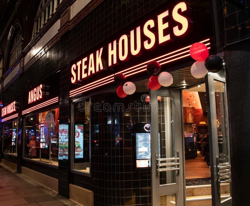 Angus Steakhouse restaurang royaltyfri bild