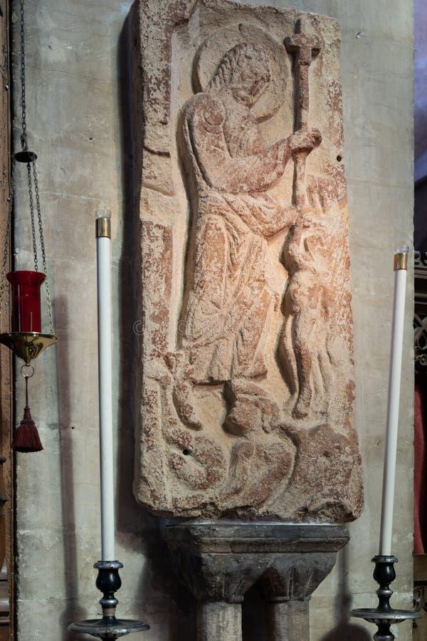 Angustioso de la cantería del anglosajón del infierno en la catedral en Bristol el 14 de mayo de 2019 fotografía de archivo