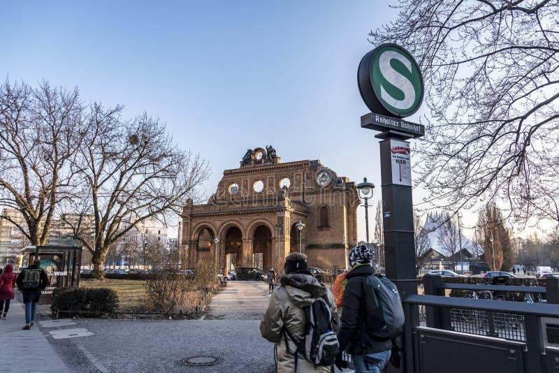 Anhalter Bahnhof, Berlijn - Duitsland Deutschland, spoorweg stock afbeelding