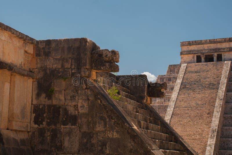 Anicent玛雅人玛雅金字塔El卡斯蒂略Kukulkan在奇琴伊察,墨西哥 免版税图库摄影