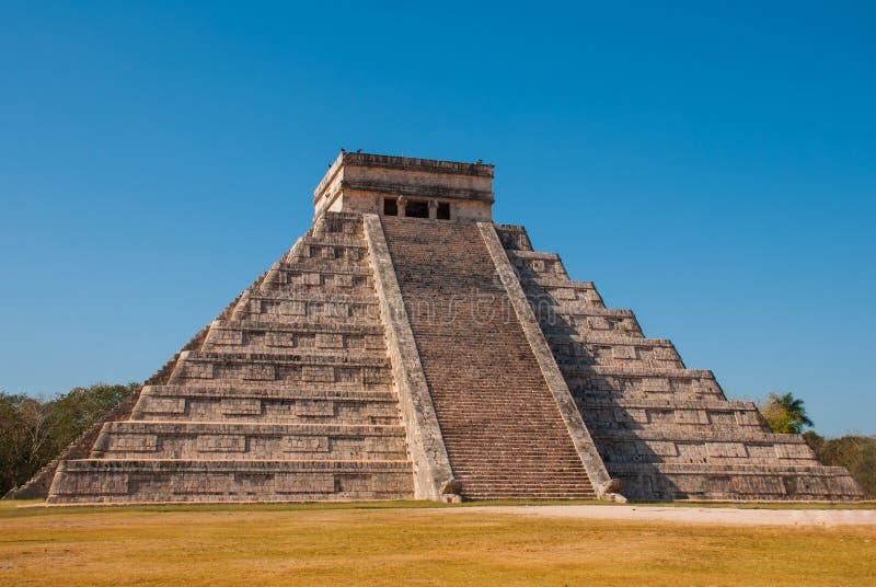 Anicent-Maya-Mayapyramide El Castillo Kukulkan in Chichen-Itza, Mexiko lizenzfreie stockfotografie