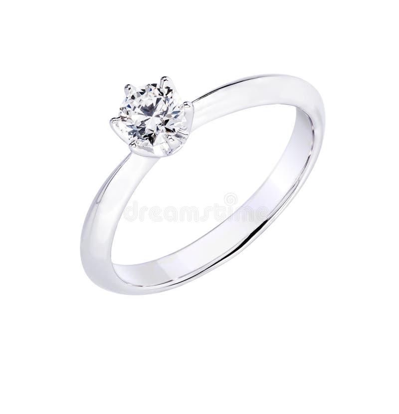 Anillo de bodas del compromiso del diamante en fondo blanco aislado fotos de archivo