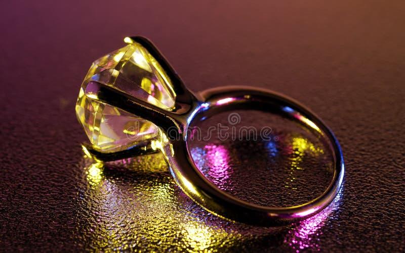 Download Anillo de diamante imagen de archivo. Imagen de anillo - 1296141