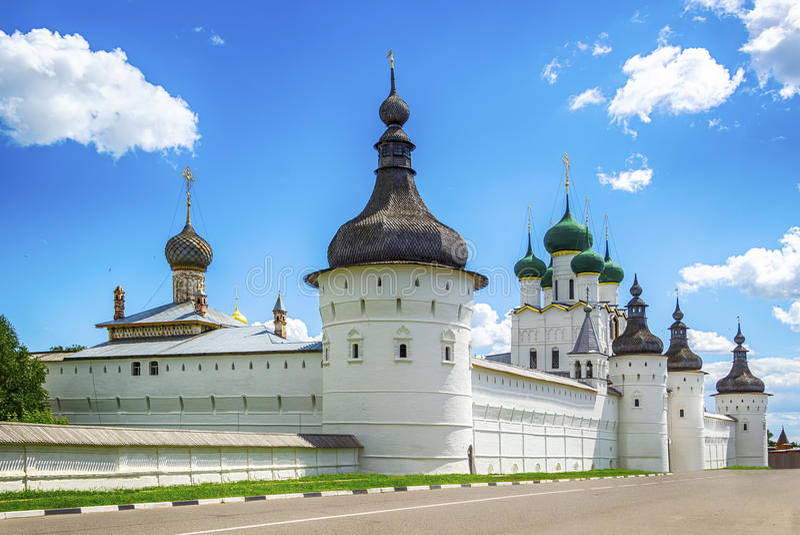 Anillo de oro de Rusia del oblast de Rostov el Kremlin Yaroslavl imágenes de archivo libres de regalías