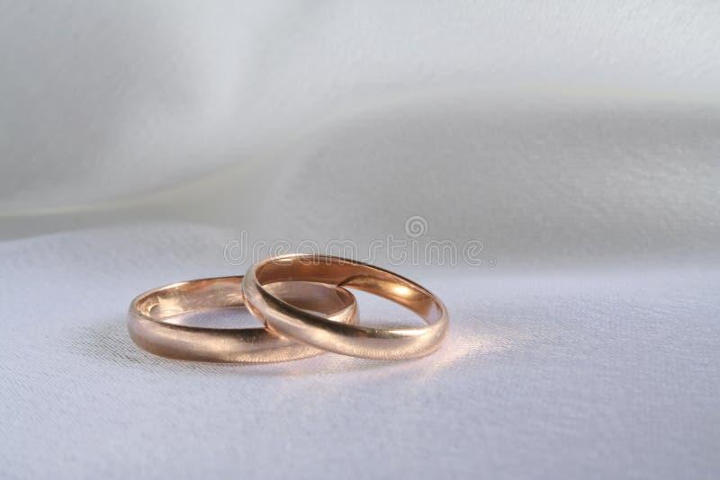 Download Anillos de bodas imagen de archivo. Imagen de paño, flujo - 1279707
