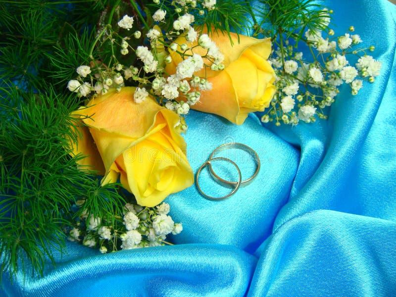 Anillos de bodas. fotos de archivo