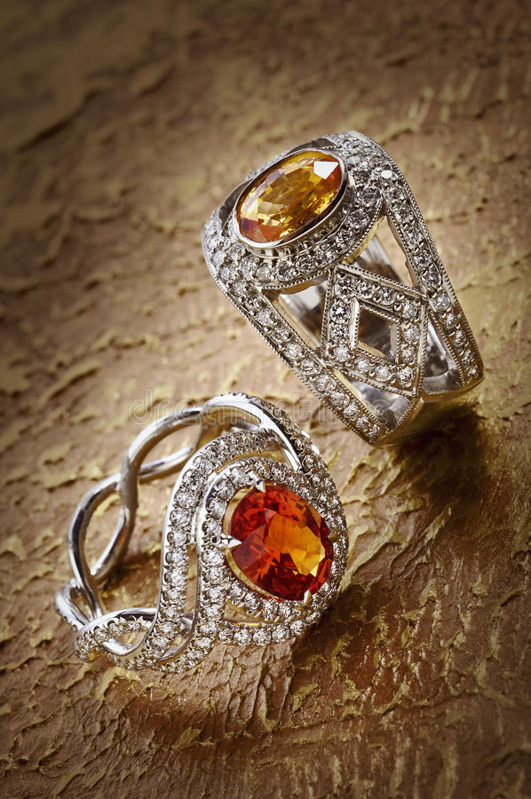 Anillos de diamante con las gemas foto de archivo libre de regalías