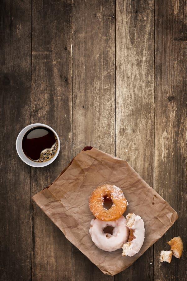 Anillos de espuma para el almuerzo. imágenes de archivo libres de regalías