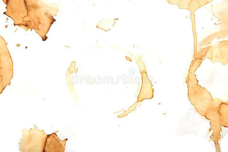 Anillos de la taza de café aislados en un fondo blanco fotografía de archivo