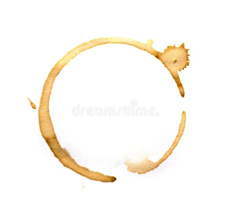 Anillos de la taza de café aislados en un blanco imagen de archivo