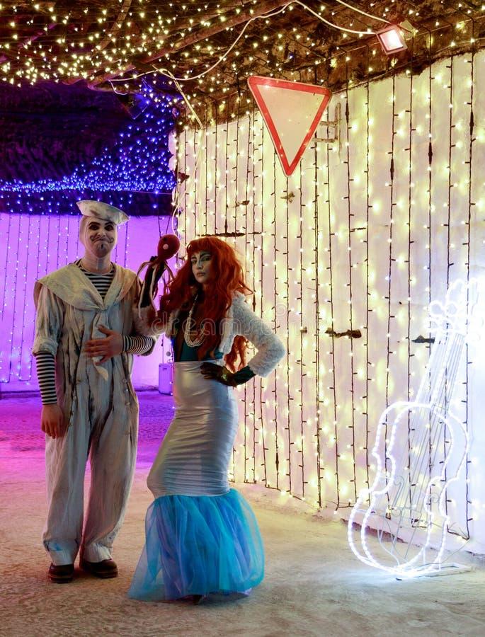 Animadores mascarados no festival fotografia de stock royalty free