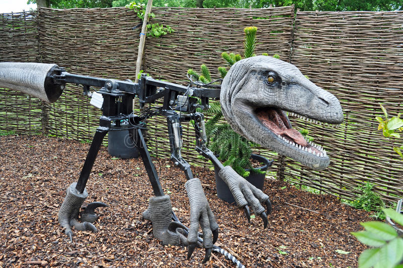 Animatronics dentro de Dinosaur modelo fotografia de stock royalty free
