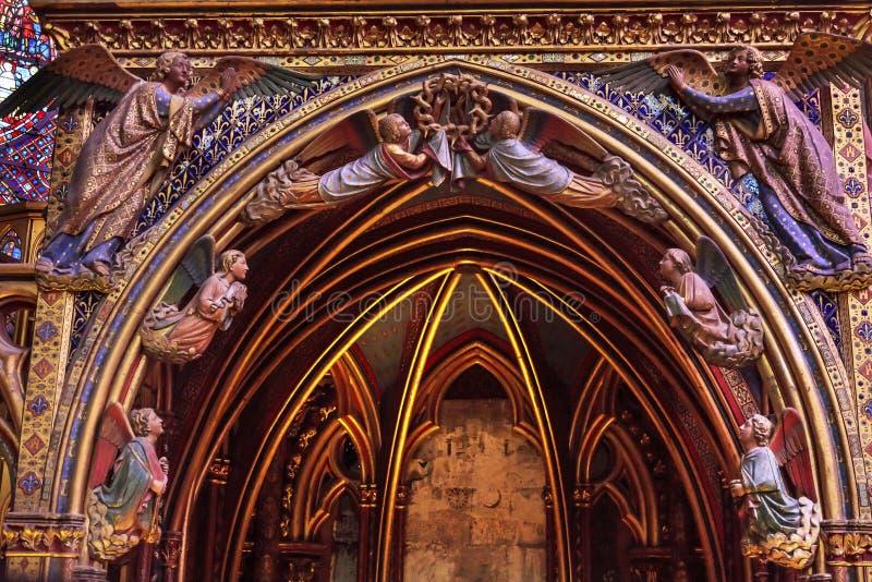 Aniołów Drewniani cyzelowania Katedralny Sainte Chapelle Paryż Francja fotografia royalty free