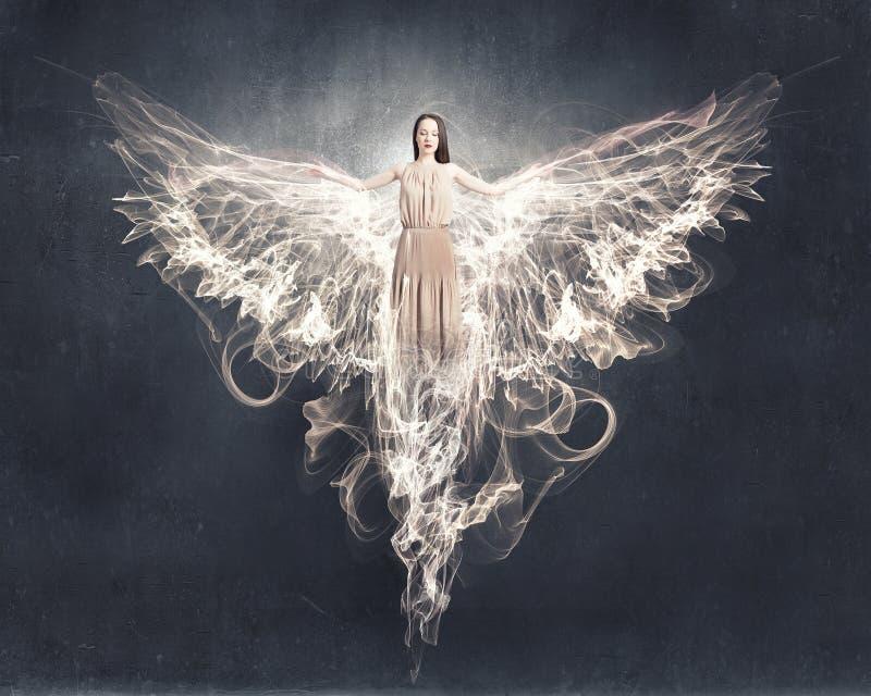 Anioł dziewczyny latająca wysokość zdjęcie royalty free