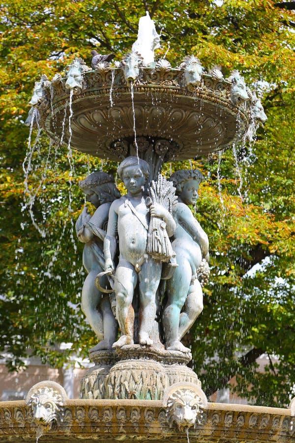 Anioł fontanna - Paryż obrazy stock